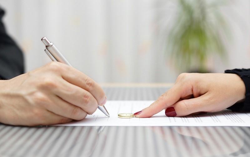 مشاوره کردن اجباری درباره طلاق توافقی و موضوعات مربوط